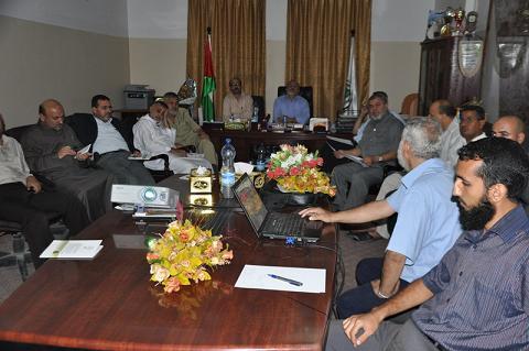 الوزارات المختصة تناقش التعديات على الاراضي الحكومية