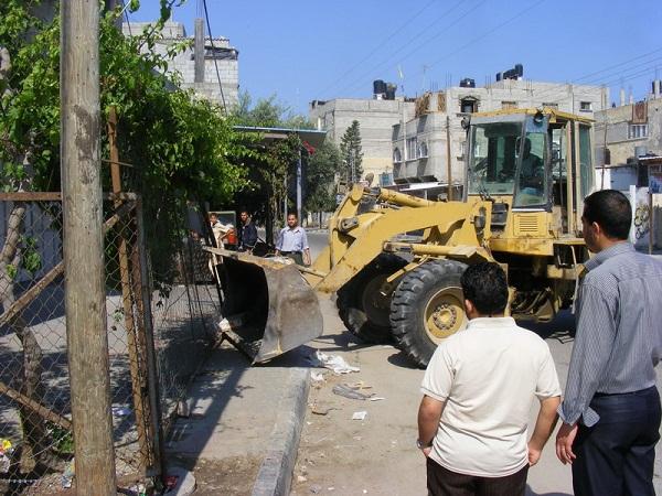 بلدية رفح تقرر إزالة التعديات في شارع أبو بكر (شارع البحر )