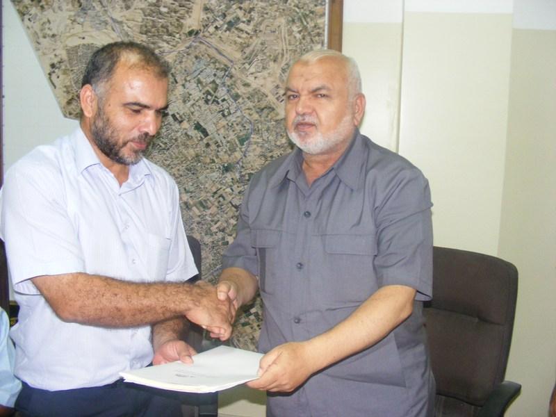 توقيع اتفاقية إنشاء مركز تجاري بين بلدية رفح وشركة أبناء عطا