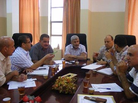 اجتماع موسع ببلدية رفح للتشاور بشأن حملة النظافة