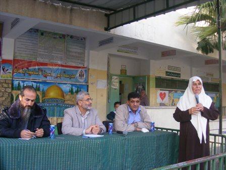 رئيس بلدية رفح يلتقي وفداً نسائياً من حي الجنينة