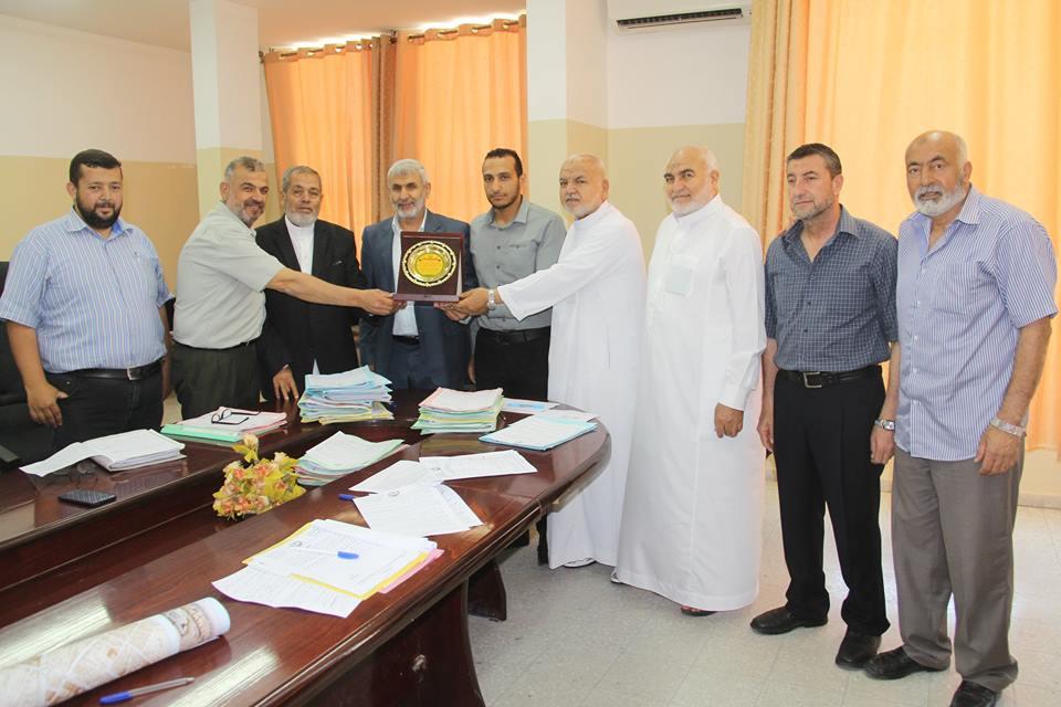 المجلس البلدي يكرم مدير دائرة الهندسة والتنظيم