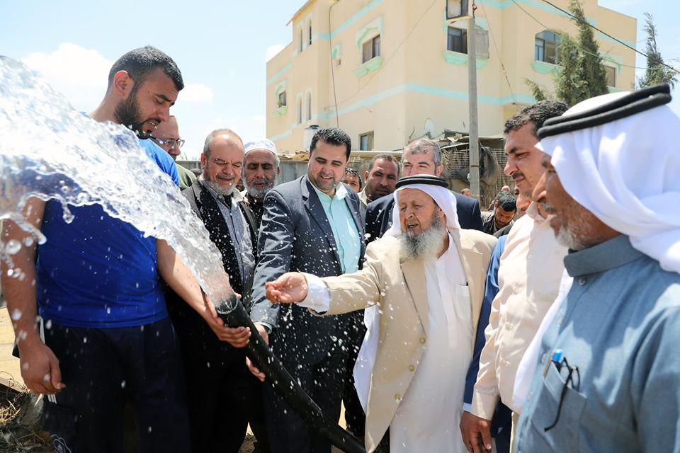 بلدية رفح تفتتح بئر مياه الزبيدية