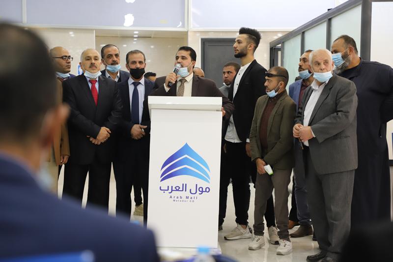 رئيس بلدية رفح يشارك في افتتاح مول العرب برفح